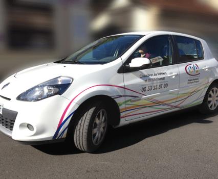 Impression et pose sur tous les véhicules des Chambres des Métiers 24, 47, 33 Visuel adapté à chaque type de véhicule.