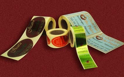 Etiquettes adhésives en rouleau
